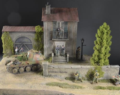 French house with barn - Diorama